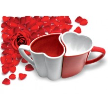 Zakochane Kubeczki Biało-Czerwone Serduszka Odwrotny Kolor W Środku